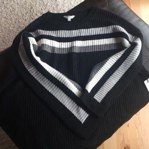 NWT 4X Tunic Sweater Black
